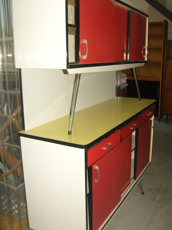 buffet bas jaune formica vintage buffet bas formica. Black Bedroom Furniture Sets. Home Design Ideas