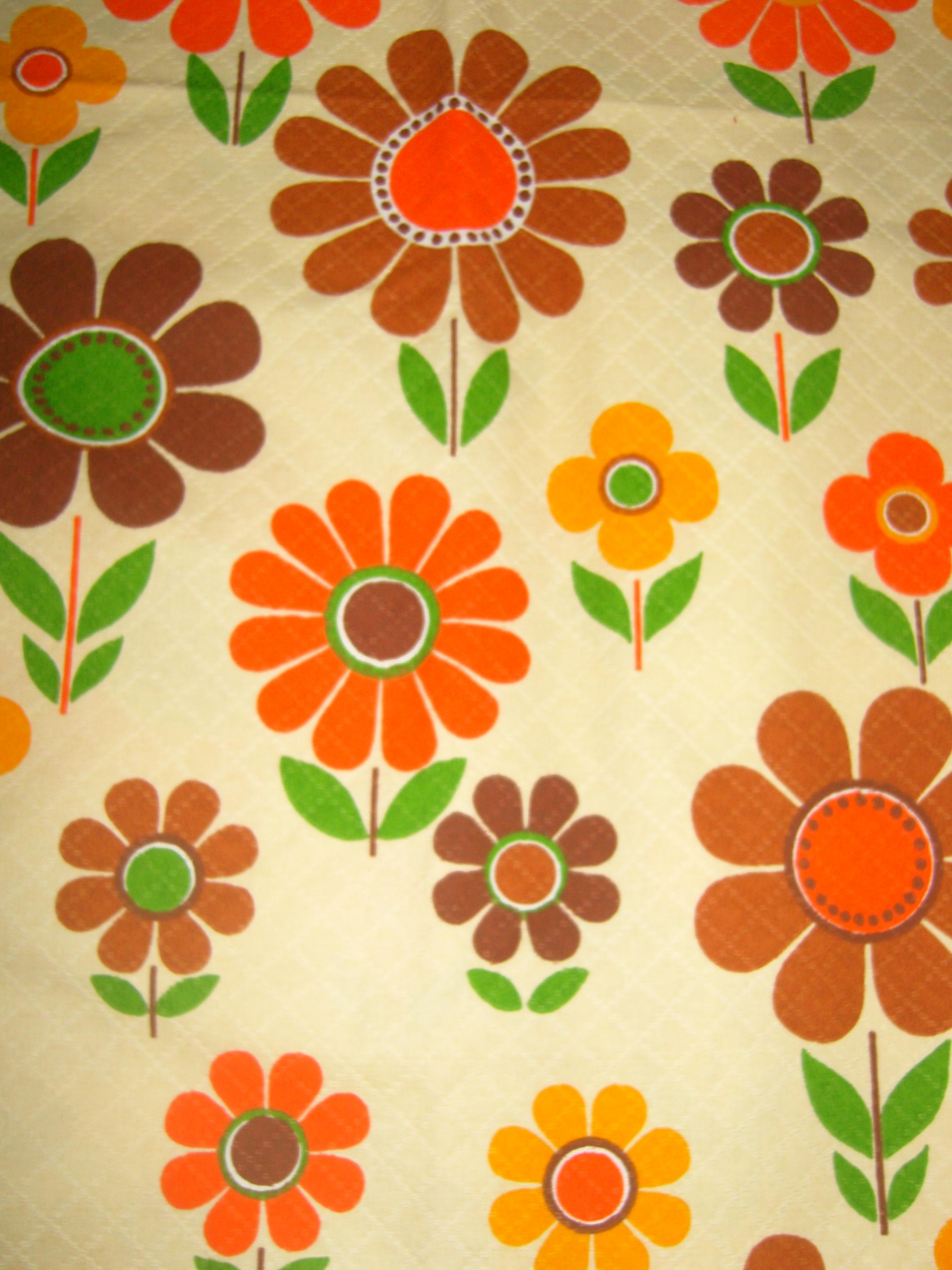 tissu vintage fleuri ann es 70. Black Bedroom Furniture Sets. Home Design Ideas
