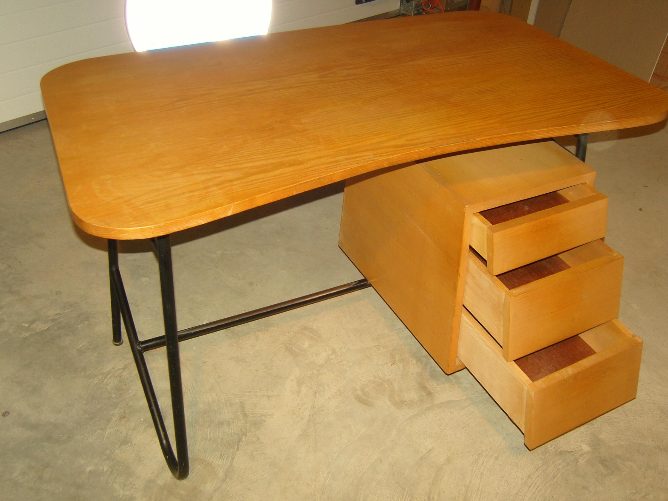 bureau ann es 70 80 ch ne clair. Black Bedroom Furniture Sets. Home Design Ideas